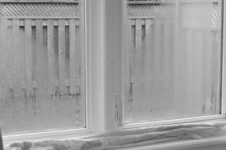 Cum scapam de problema condensului la ferestre?